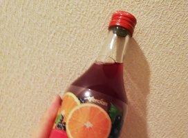 友達にオススメされて買ったお酒(*^_^*)甘くてすごく飲みやすか…