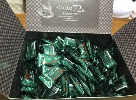Amazonでお徳用のチョコレート効果72%を買いました✨チ…