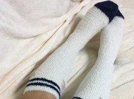 今日の靴下w100均のモコモコ靴下wこのシリーズ沢山購入しちゃい…