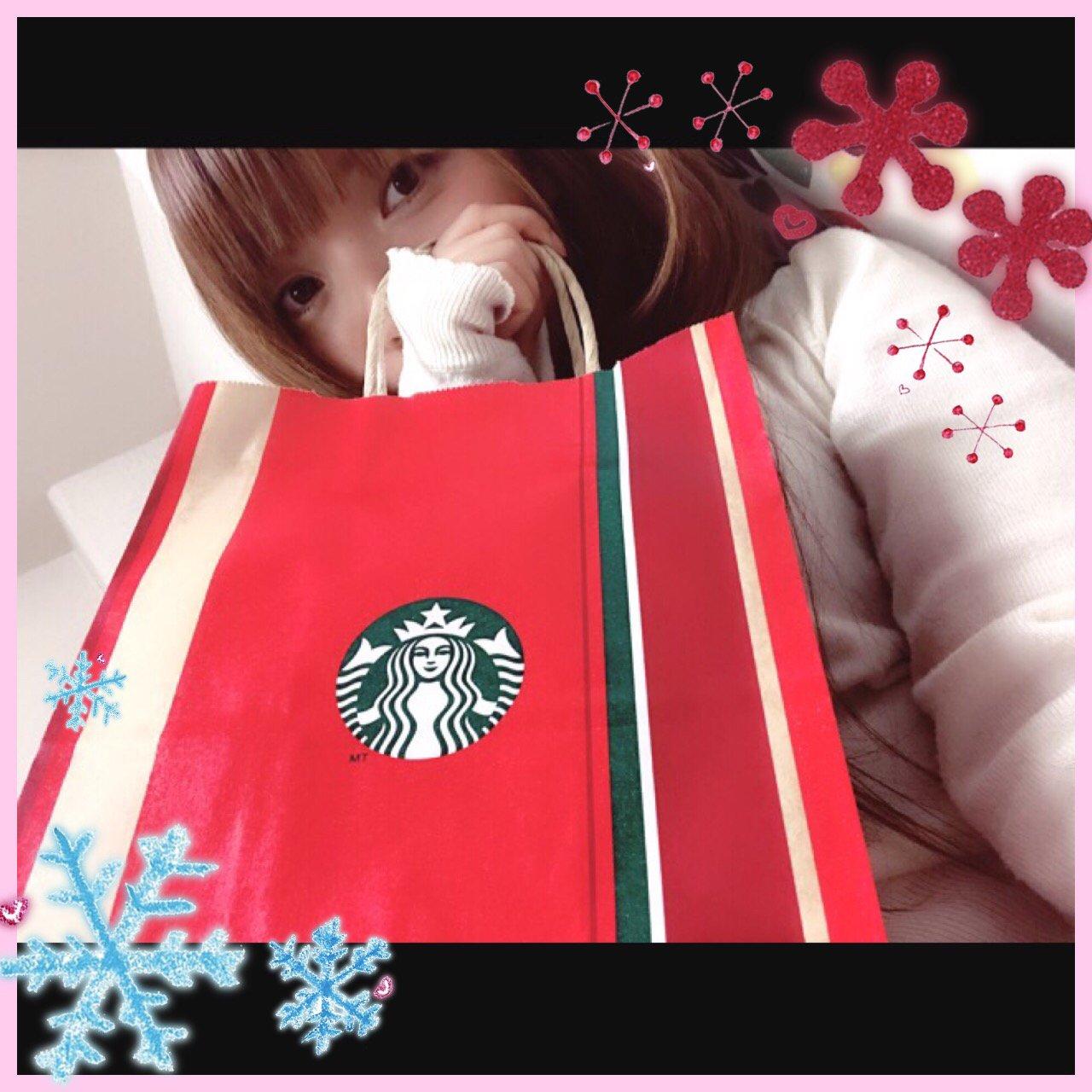 スタバに行ったら、すっかりクリスマスになってた〜♡紙袋…
