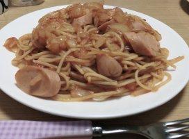 今日の夕飯は手抜きナポリタンです。料理好きなんだけど、、今…