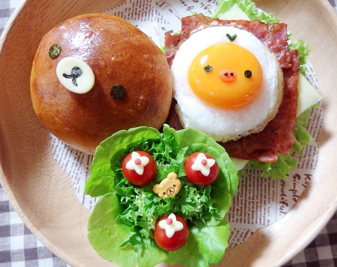 みなさん、こんばんわぁ♪朝食のハンバーガーです❤目玉焼…