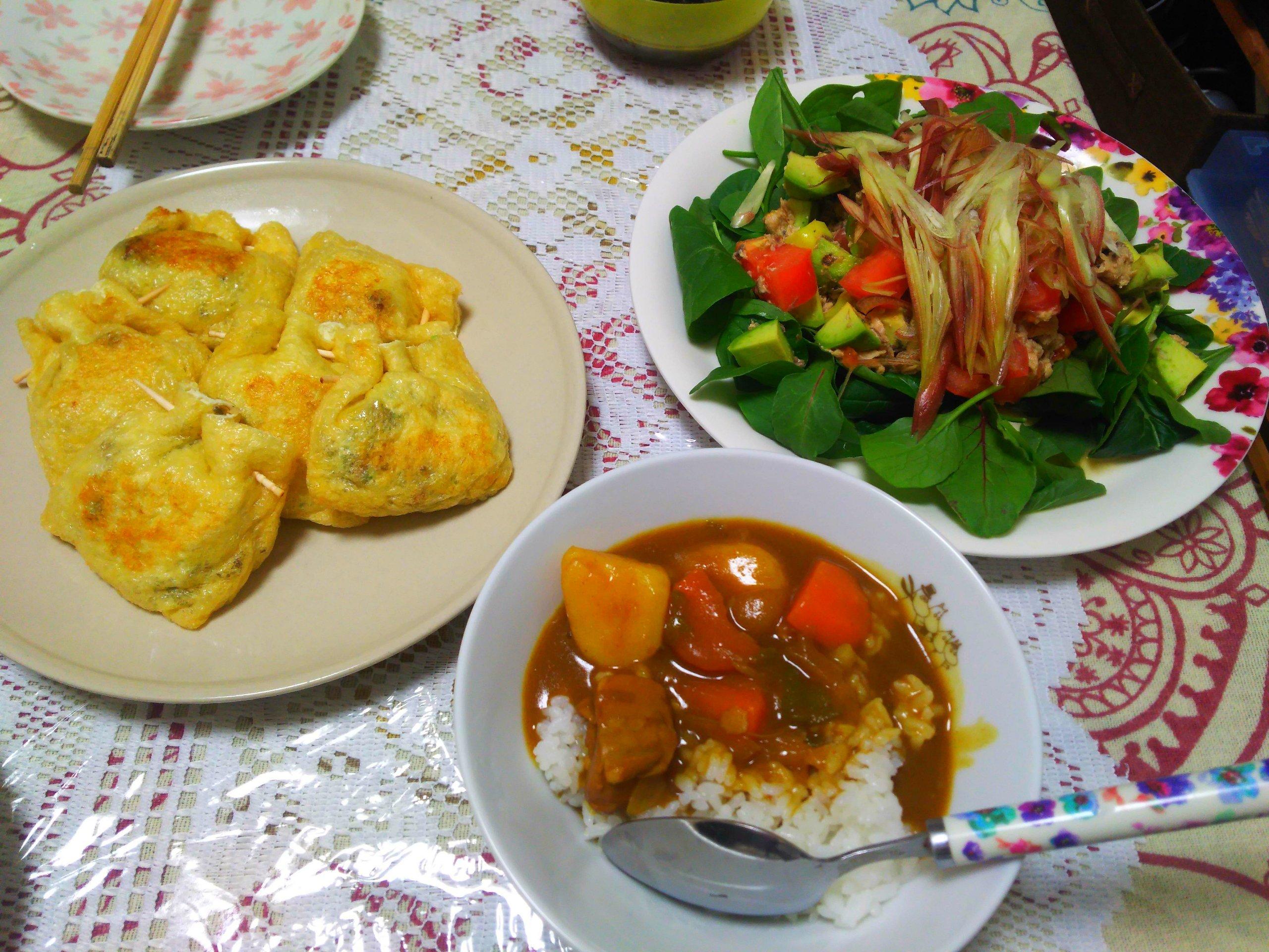 今日の晩御飯🌃🍴昨日の残りのカレー鯖納豆の油…
