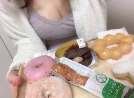 ドーナツ買ったよ😉💗どれ食べる??///♡