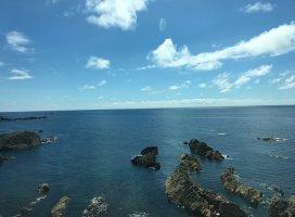 秋田まで遊びに来てました\(^o^)/男鹿半島〜海きれいすぎる。…