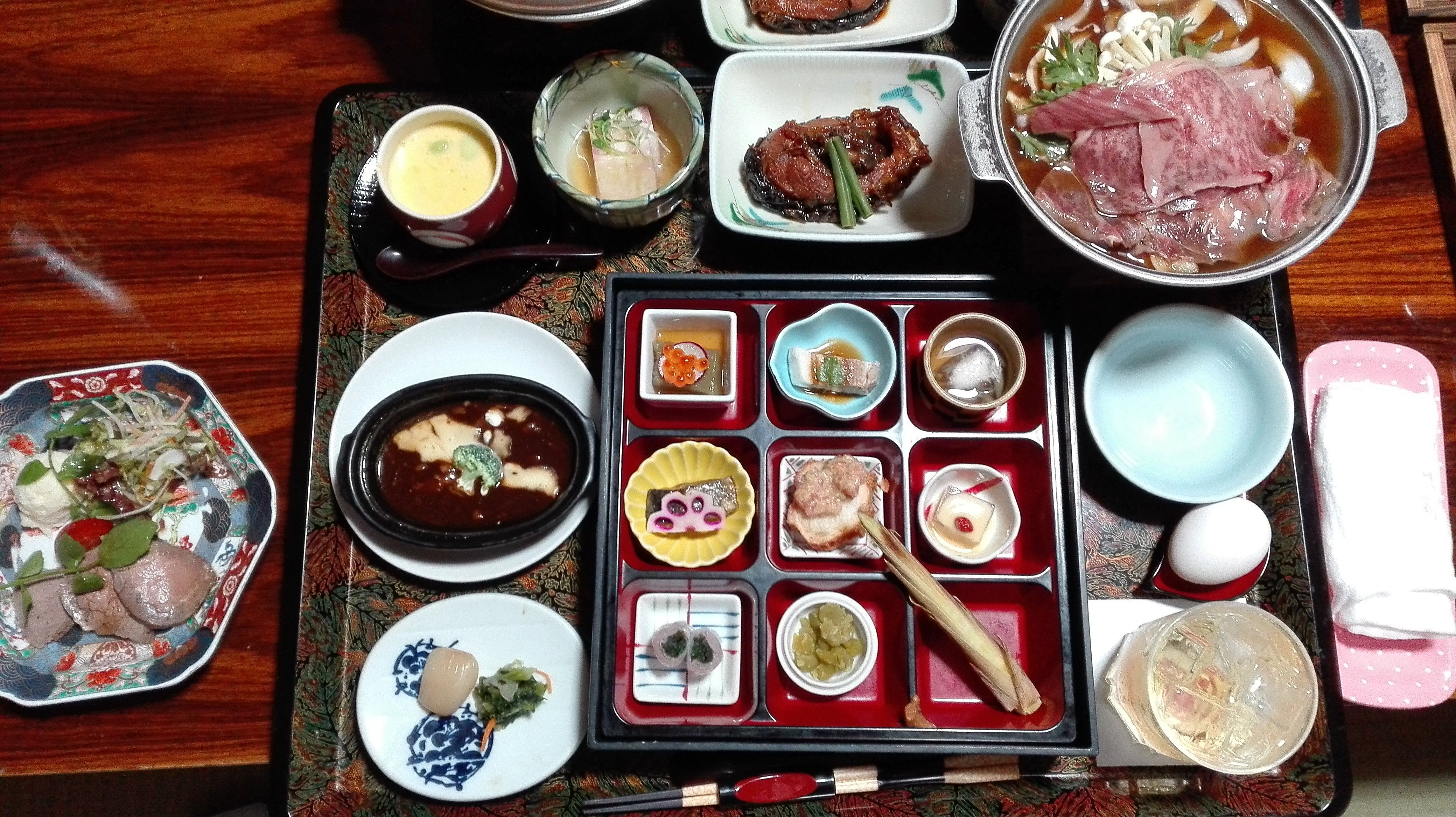 上山温泉に来ました!(*´ω`)場所は山形です♪これから食事///全…