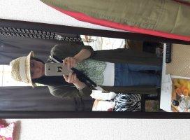 今日は麦わら帽子を買いに行ってきますー(o^−^o)