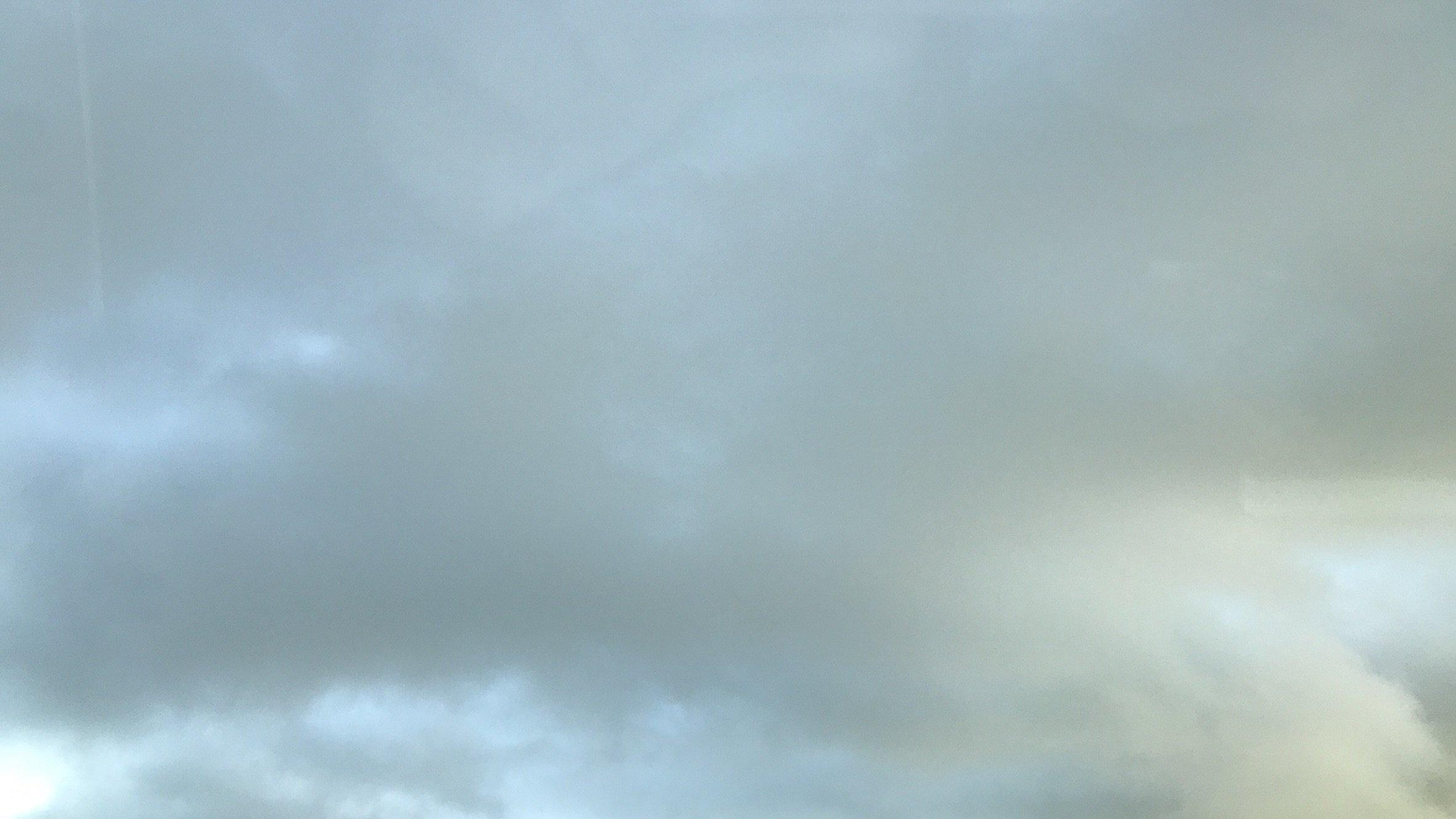 今日はお出かけ♪ルンルン ((ω∀ω)) ルンルン♪雲行き怪しいけど…(^_^;