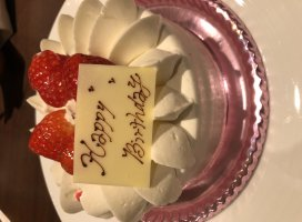 遅めのお誕生日ケーキもらいました♪