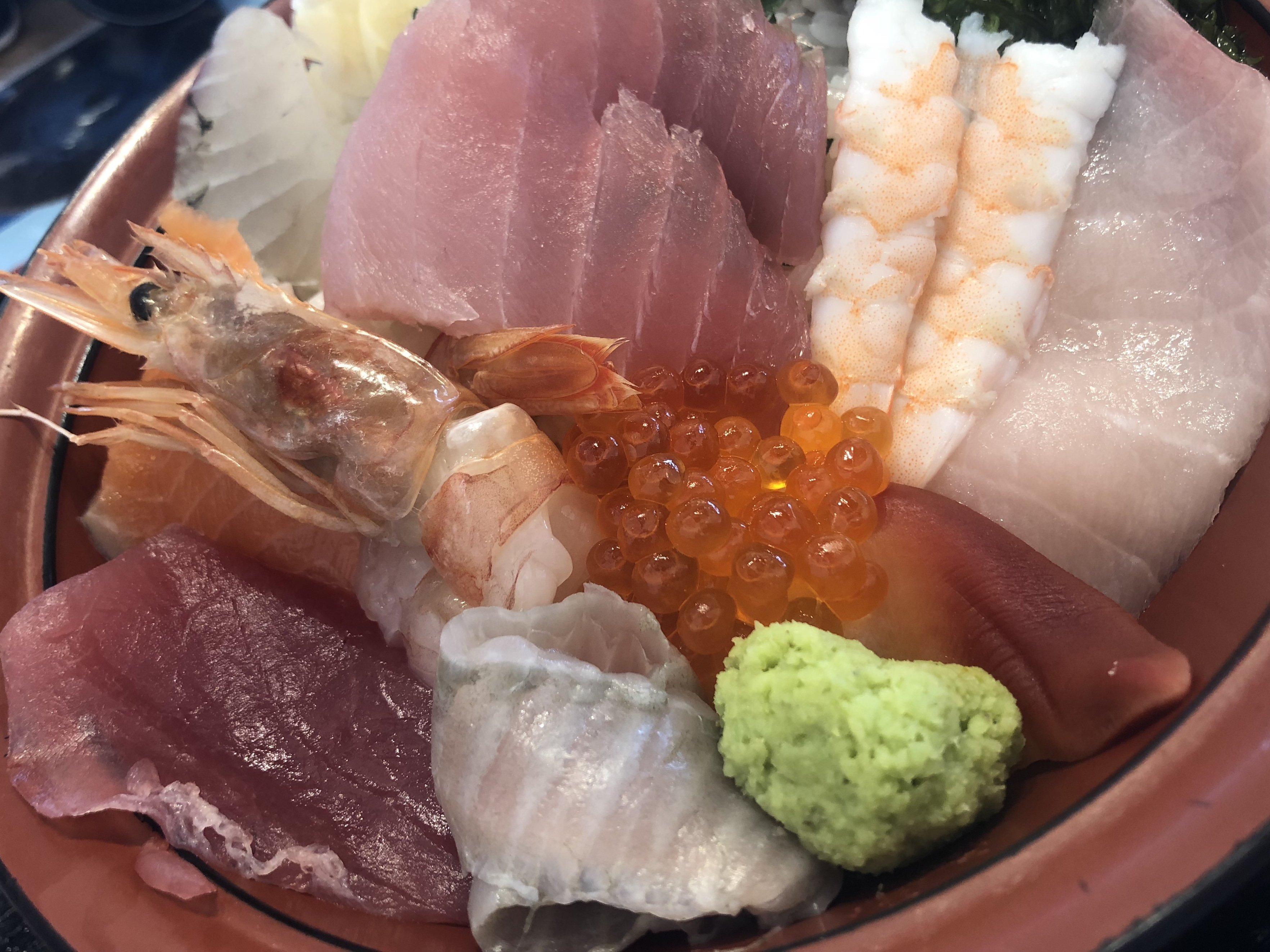 こんにちは、ほのかです(*´ω`*)先日お休みの日に海鮮丼を食べ…