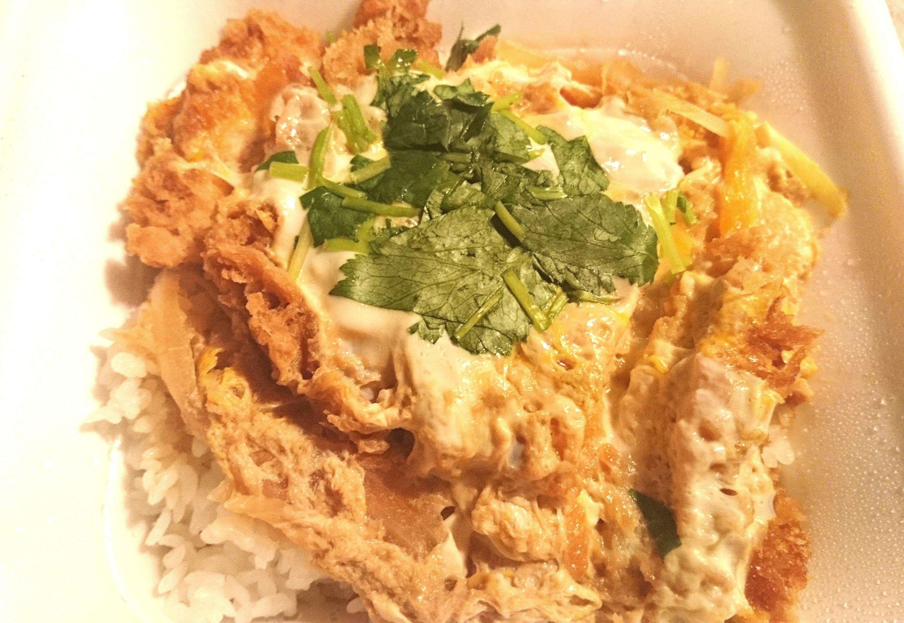 今日の夕飯🌃🍴はカツ丼とスープです🎵(*…