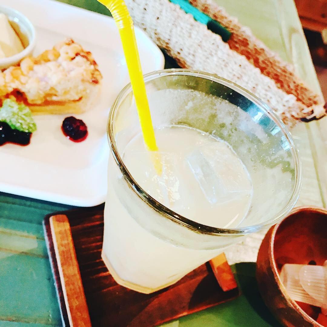 少し前だけど、カフェで飲んだジンジャーエールが辛口でとても…