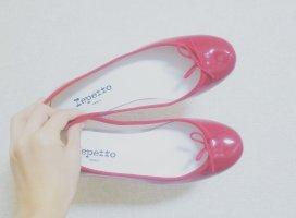 新しい靴 買いました👠去年1年間貯めた500円玉貯金ほぼ…