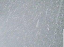 雪すごーい!❄⛄寒すぎるから暖房付けて寝よう(* _…