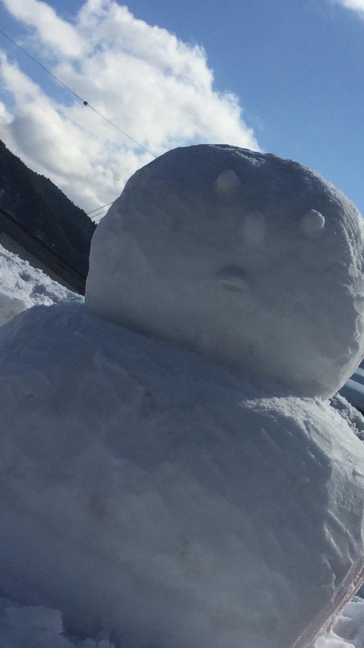 正月太り碧ですヽ(´o`;まるでこの雪だるまやッ(T . T)さっき…