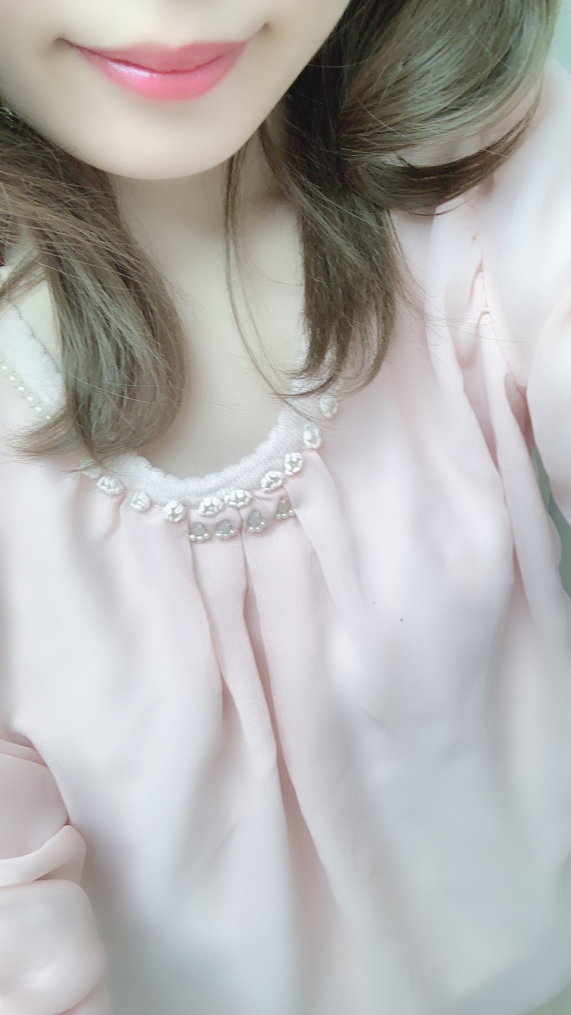 今日はピンクだよ〜笑笑関係ないけど、スラッシャーの服欲しい…