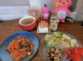【今日の昼飯2021.7.22】*しらたきナポリタン/*アイス緑茶/*…