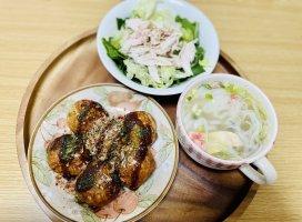 昨日の晩ご飯!たこ焼き、ほうれん草とレタスと茹で鶏のサラダ…