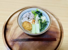 今日の晩ご飯!お鍋を食べました♡具材は豆腐、ねぎ、練り…