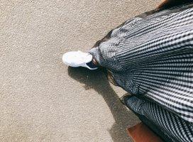 服がなくて最近はこのスカートとジーパンしか履いてない気がす…